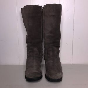 Ugg Grey Knee High Suede Boots Size 9